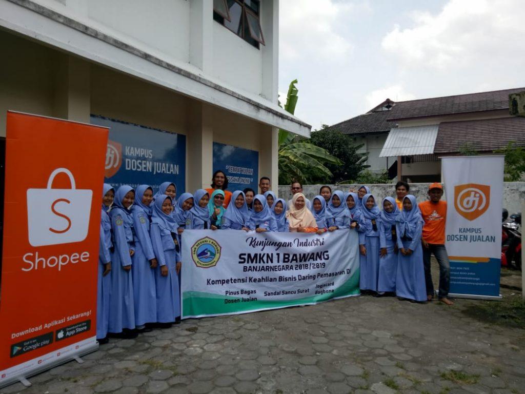 Kunjungan industri SMK Di Kampus Dosen Juaalan