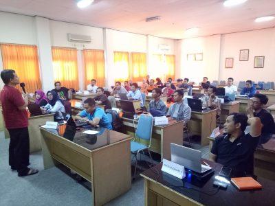 Pembicara Internet Marketing untuk Mengisi Acara Seminar
